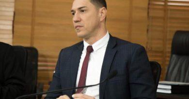 Deputado Ney Amorim registra carta de desfiliação do PT no Acre