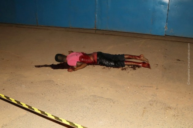 Jovem é assassinado com 8 facadas durante a madrugada por rival de facção