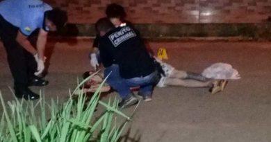 Homem é obrigado a se ajoelhar antes de ser assassinado em frente de sua casa