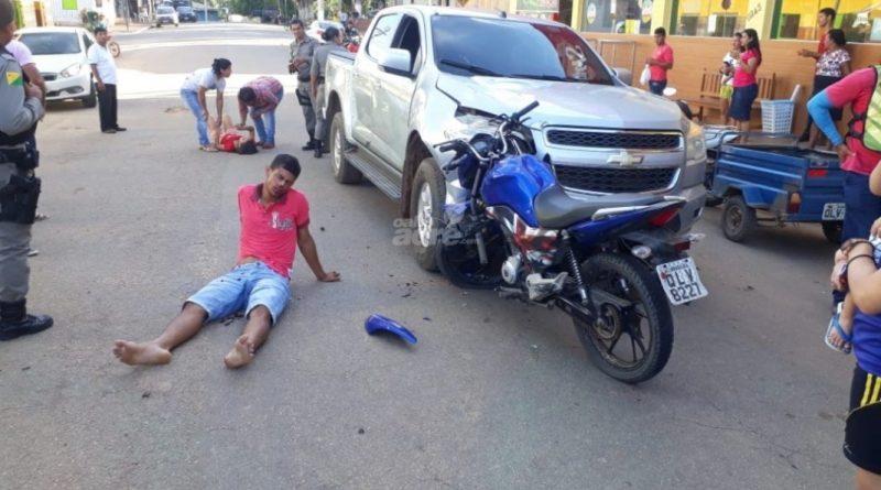 Acidente entre moto e carro é registrado na cidade de Assis Brasil