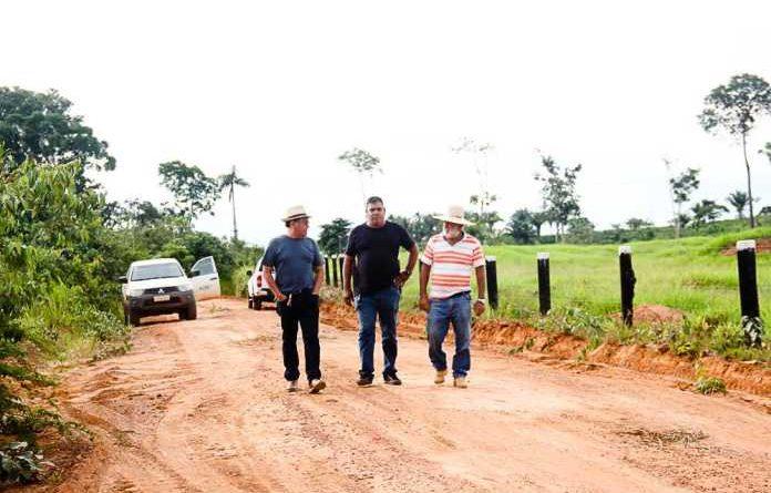 Prefeitura e comunidade realizam melhorias no ramal do Km 20