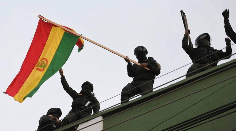Na Bolívia, confronto entre Forças Armadas e manifestantes deixam oito mortos