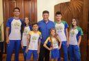 Governo apresenta novos uniformes escolares