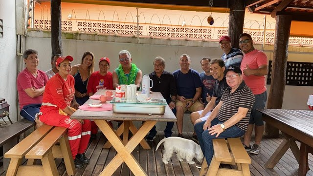 Senador Petecão e os deputados Bestene e Nenem, tomam café juntos e falam sobre política