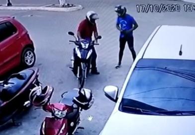 VÍDEO: criminosos roubam motocicleta em plena luz do dia, em Epitaciolândia