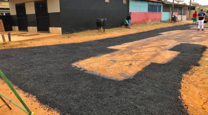 Em Brasileia, Prefeitura realiza melhorias de ruas no Bairro Alberto Castro
